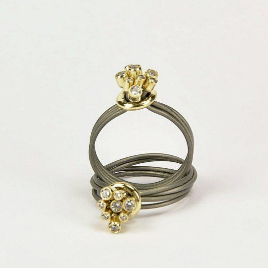 Pierścionek stal+ złoto pr.585